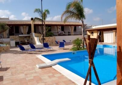 Bed And Breakfast Villa Carlo Resort